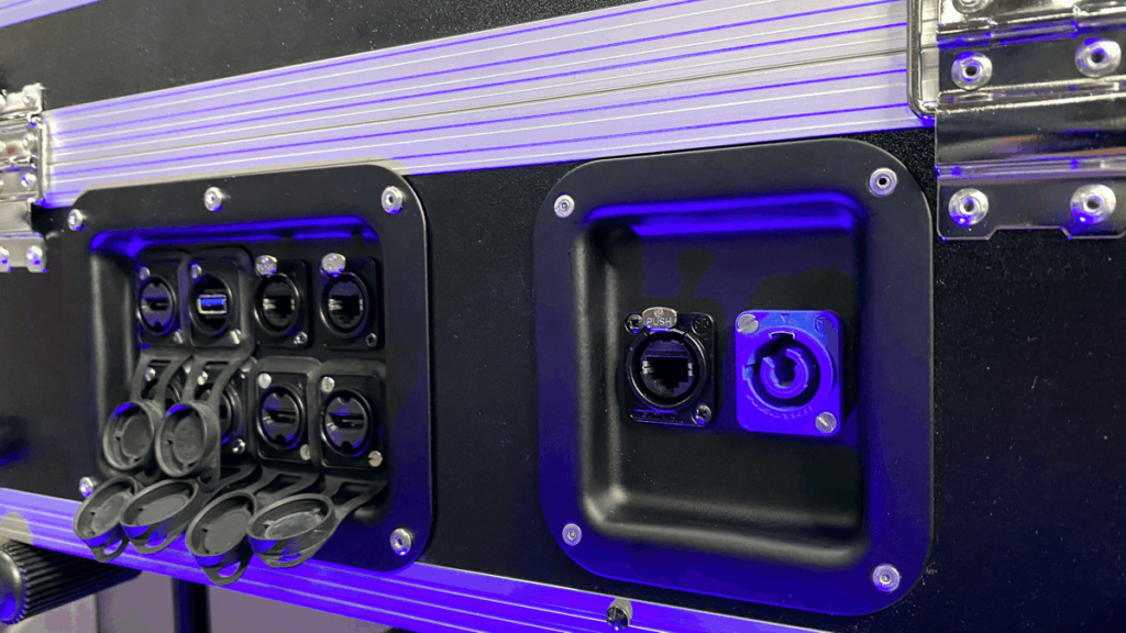 Neutrik chassis-delen voor de ATEM Mini flight case.