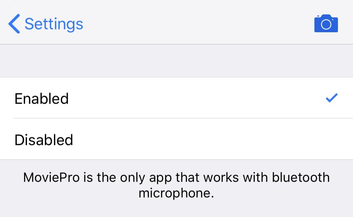 MoviePro is een iOS camera app die wel werkt met bluetooth microfoons.